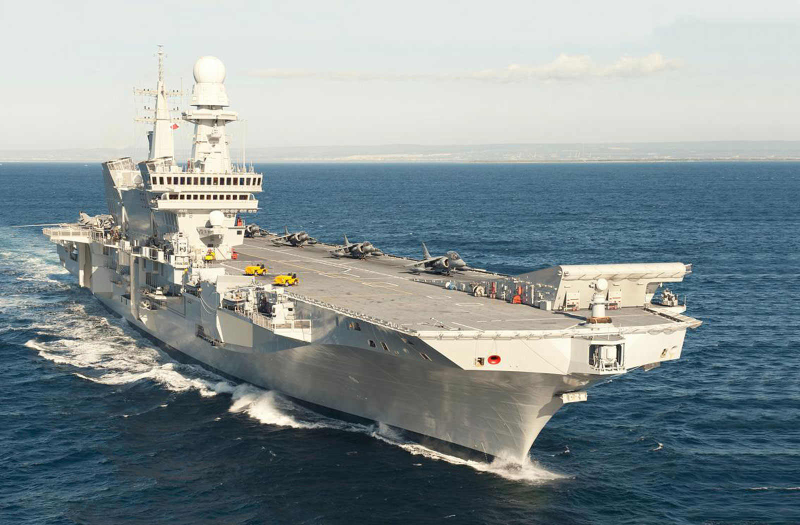 Un mare di sorrisi a bordo della portaerei cavour - Nuova portaerei ...